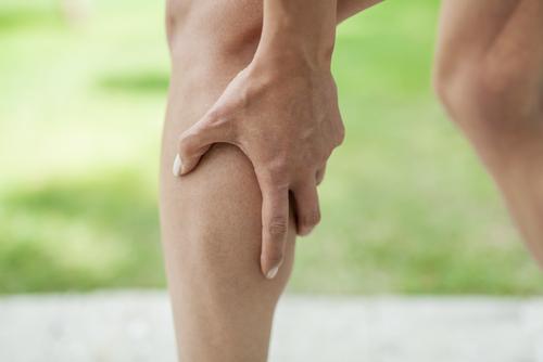 bolesti v lýtku