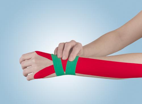 tejpovací pásky na zápěstí