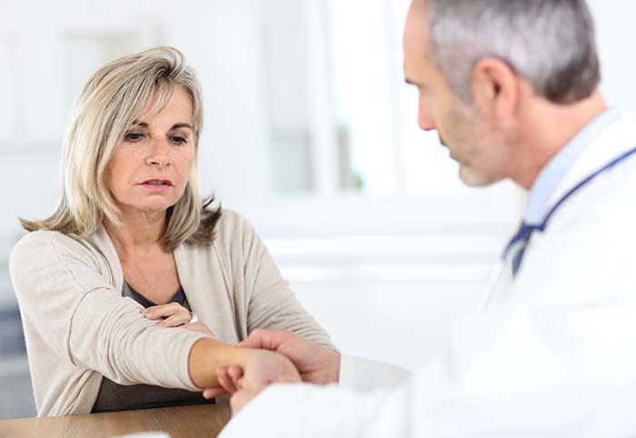 artritida-vysetreni-lekar