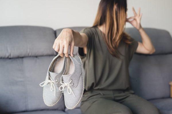 zápach-nohou-u-žen